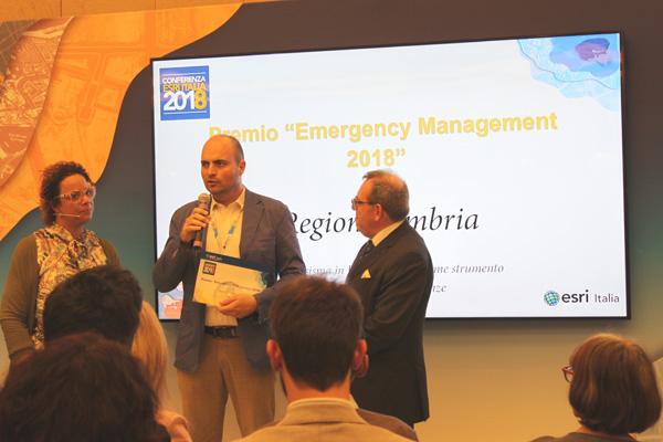 Paolo-Ciaccasassi-ritira-il-premio-Emergency-Management-2018